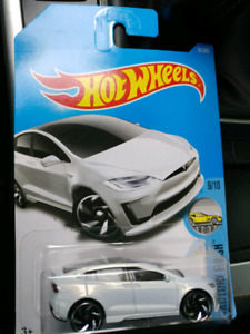 Nee Hotwheels Tesla model x combo for sell
