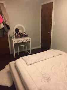 Beautiful one room available- close to Trent *students only* Peterborough Peterborough Area image 6