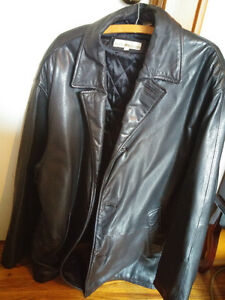 As New Perry Ellis Large Leather Winter Jacket Fits like an XXL