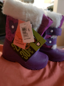 Brand new size 6 boots