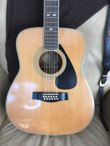 12 String Yamaha professional model FG512 acoustic guitar