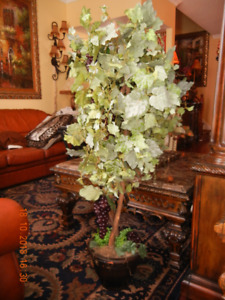 Artificial Grape Plant.  Extremely High Quality Heavy and Loaded