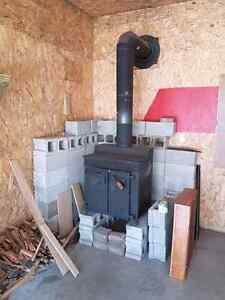 Solid wood stove and pipe