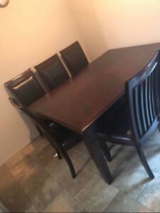 Dining set 7 pieces very good condition