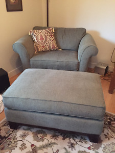 Lazyboy Loveseat, Chair and Footstool