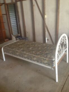 Single bed Catherine Field Camden Area Preview