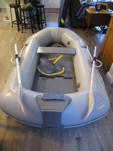 ACHILLES LT-2 INFLATABLE DINGHY