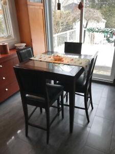 Set de table Bistro et 4 chaises