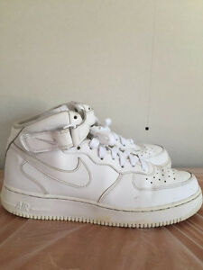 White Nike Air Force One Mid 10.5