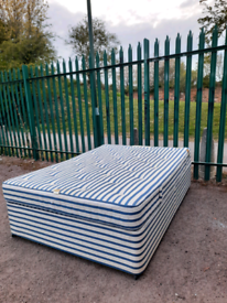 Double bed + mattress (delivery available