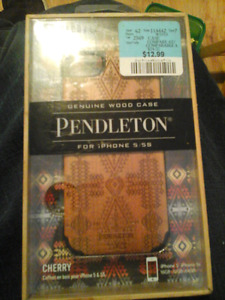 Iphone 5 / 5S wooden phone case new in box never used