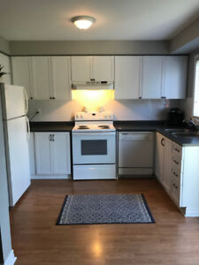AVAIL. DEC 1 – 3 BED CHARMING END UNIT TOWN – ALCONA INNISFIL