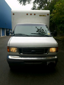 2007 FORD E450, DIESEL TRUCK , 16 Feet Cubic Box