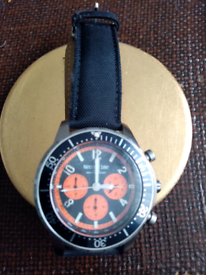 Diver style watch