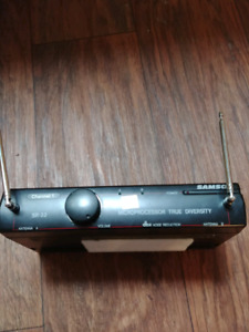 Samson SR-33 Microphone Receiver and CT-3 Bellpack Transmitter