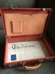 Briefcase Antique Leather,  White Star