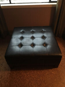 SQUARE LEATHER STYLE OTTOMAN