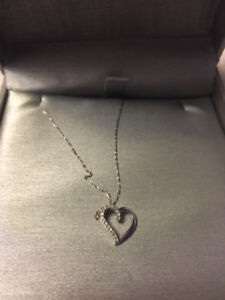 PEOPLES WHITE GOLD DIAMOND HEART NECKLACE