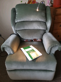 Willowbrook electric rise and recline chair with massage and light