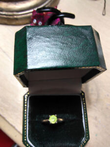 Peridot in White Gold High Set engagement ring sz 4 1/2