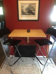 Bar stools and table (can be set to normal height)