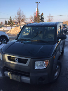 2004 HONDA ELEMENT  BLACK, AWD