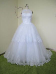 Elegant Ball Gown Tulle&Satin Sweetheart Neckline Off Shoulder