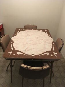 Kitchen Table with Chairs For Sale!!