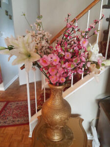 BEAUTIFUL CARVED ANTIQUE GOLDEN VASE WITH FLOWERS