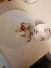 La Reine France Limoges bowl set, used for sale  Poole, Dorset