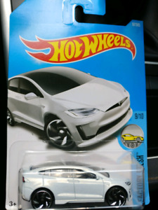 New Hotwheels Tesla combo White  for.sell