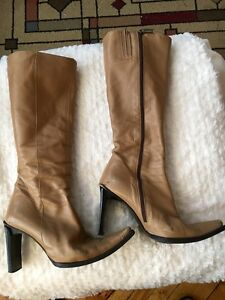 """Bottes Italiennes cuir beiges 37.5 talons 3.5"""" Leather Boots"""