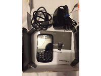 Blackberry 8520 +free memory card reader (very good conditions)