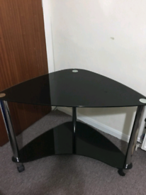 Computer/ Tv trolley corner style black glass with wheels