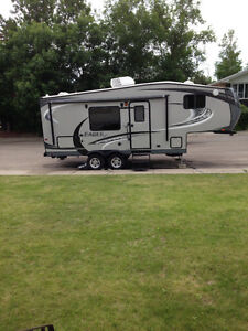 2013 Jayco Eagle HT 23.5RBS Fifth Wheel Trailer