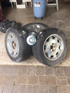 Chrysler 300 tires and rims
