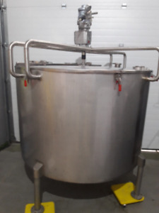1700 liter stainless steel tank w/ air-mixer and x-proof load ce