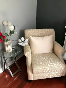 2 DECOR REST ARM CHAIRS MUST GO
