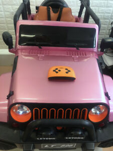 Rubber Real 4X4 Ride on Jeep+RC+Leather for Kids and Toddlers