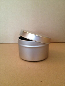 Round Silver Tin with Lid / Metal Candleholder / Candy Container