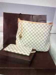 Genuine Louis Vuitton Purse For Sale Kitchener / Waterloo Kitchener Area image 1