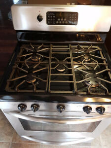 Fridgidaire Professional Series Stainless Steel Gas Rnage