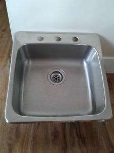 For Sale: Single kitchen sink