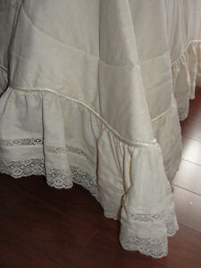Bedspread (size double) excellent condition Kitchener / Waterloo Kitchener Area image 1