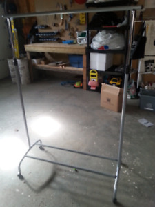 Cloth Rack in Excellent condition