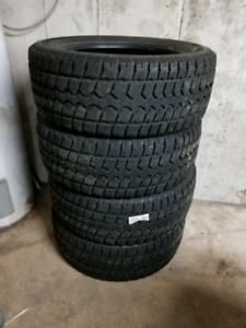 Set of used winter tires 275/55R20