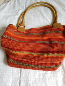 2 Purses in like new condition
