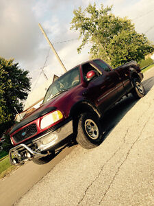 *98 FORD F-150 XLT 4X4 FOR SALE / POSSIBLE TRADE! ETESTED!