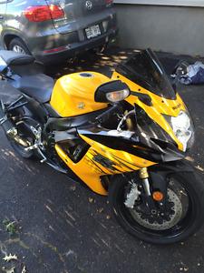 moto gsxr 750 2012
