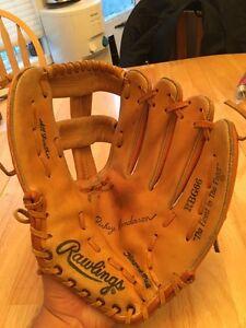 Large left-handed Rawlings baseball glove Edmonton Edmonton Area image 1